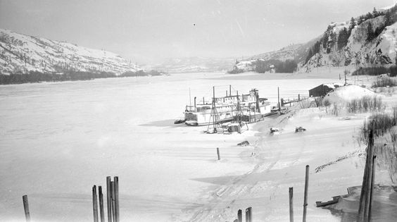 Frozen Columbia River: 1929